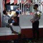 Antisipasi Gangguan Kamtibmas Polsek Bawang Gelar Blue Light Patrol