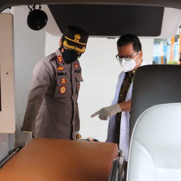 Tingkatkan Layanan Kesehatan Pada Masyarakat, Sarsipol Banjarnegara Luncurkan Dua Ambulans di RS Emanuel